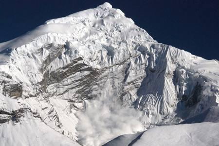 Chulu East Peak